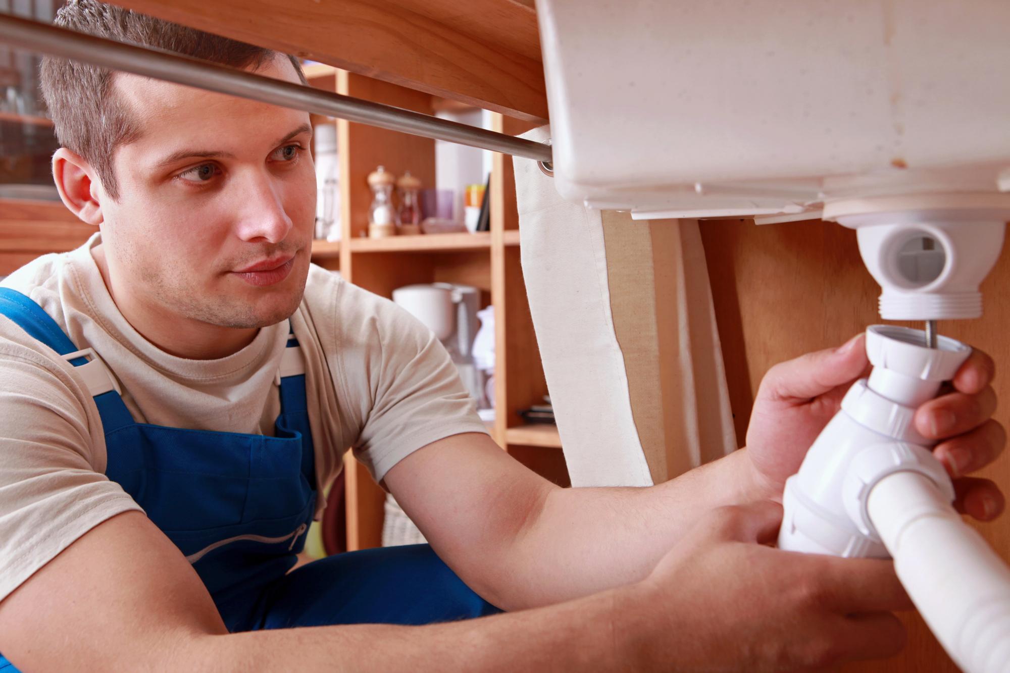 plumber-sink-fixing